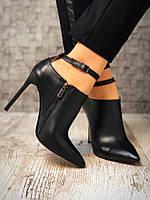 Стильные туфли с острым носком