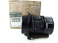 Расходомер воздуха на Рено Сценик 3 1.5 dCI K9K Renault 8200682558 (оригинал)