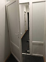 Офисная дверь с перегородкой