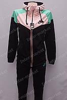 Стильный спортивный  костюм  с яркими вставками женский  купить