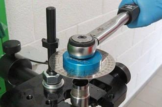 Комплект угломеров для контроля затяжки гайки распылителя