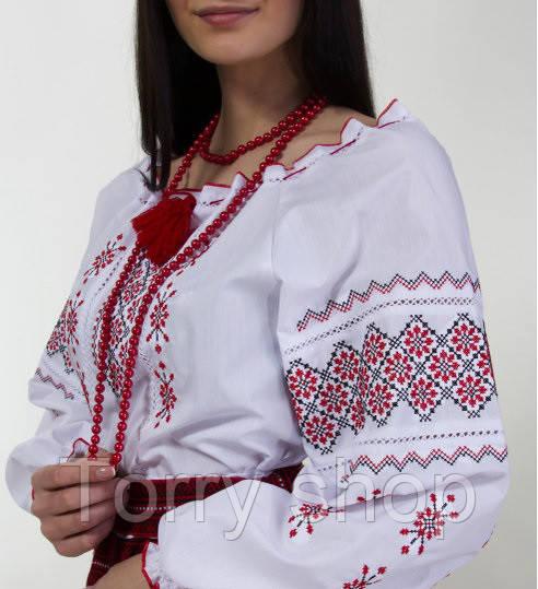 Вышиванка женская на белом хлопке с красным узором