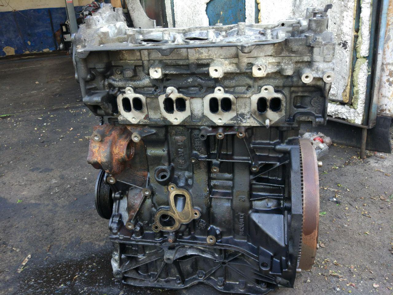 Двигун 2.0dci, M9R-780 (з новим ланцюгом) Renault Trafic, Opel Vivaro 2006-2011 (Б/У)