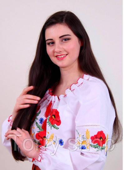 Вышитая женская рубашка на белом хлопке  с красными маками