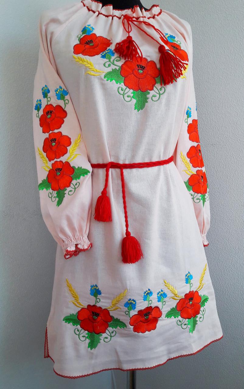 Женское платье вышитое маки