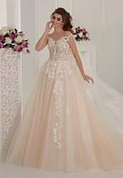 Пышное свадебное платье с  шлейфом