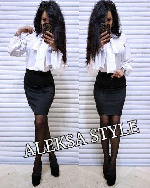 Костюм классический офисный юбка и блуза с бантом
