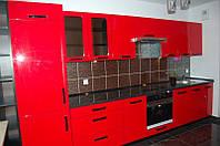 Кухня с красными крашеными фасадами, фото 1