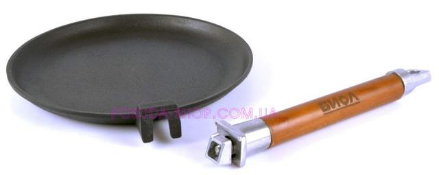 Сковорода блинная чугунная Биол со съемной деревянной ручкой