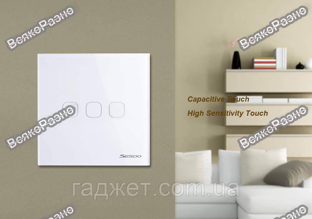 Сенсорный выключатель Sesoo. Трехлинейный сенсорный выключатель Sesoo белого цвета.