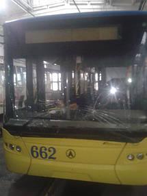 Замена лобового стекла на троллейбусе ЛАЗ E183, ElectroLAZ-12 15