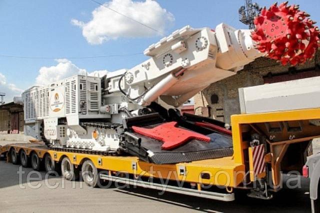Неразборное промышленное оборудование (ректификационные колонны, турбины, уникальные трансформаторы) по весу может превышать 90 -100 тонн.  Своим ходом к месту эксплуатации нельзя доставить горнодобывающую технику, отличающуюся большим весом, огромной стоимостью.