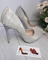 Блестящие красивенные туфли классика шпилька  10,5-11см