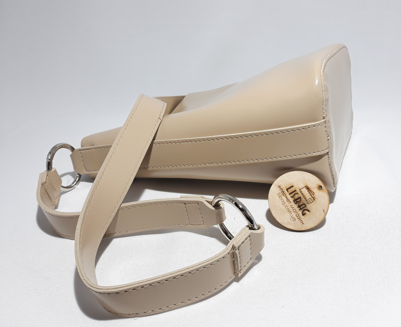 ca7f7af7623b ... Женская вместительная сумка мешок на плече новинка, гладкая на ощупь  бежевая, ...