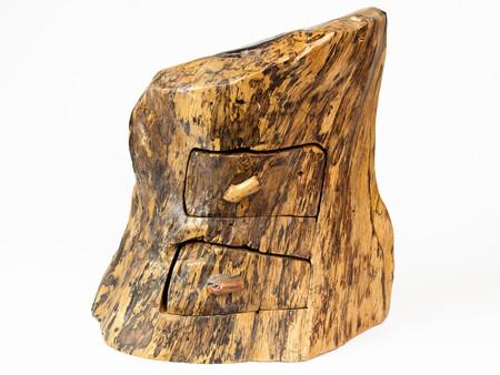 Шкатулка резная из дерева