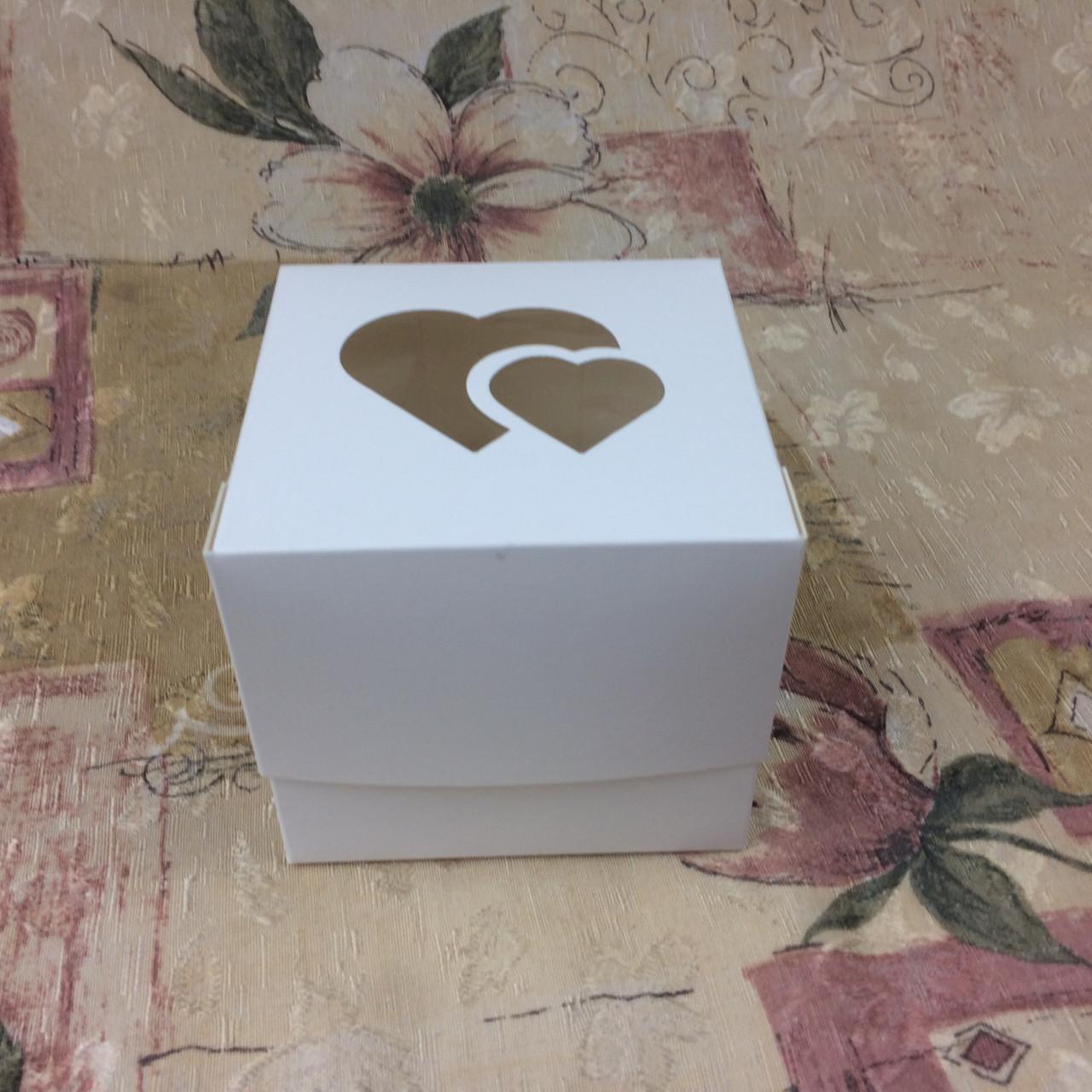 Коробка для 1-ого кекса / 100х100х90 мм / Белая / окно-2 Сердц / лк