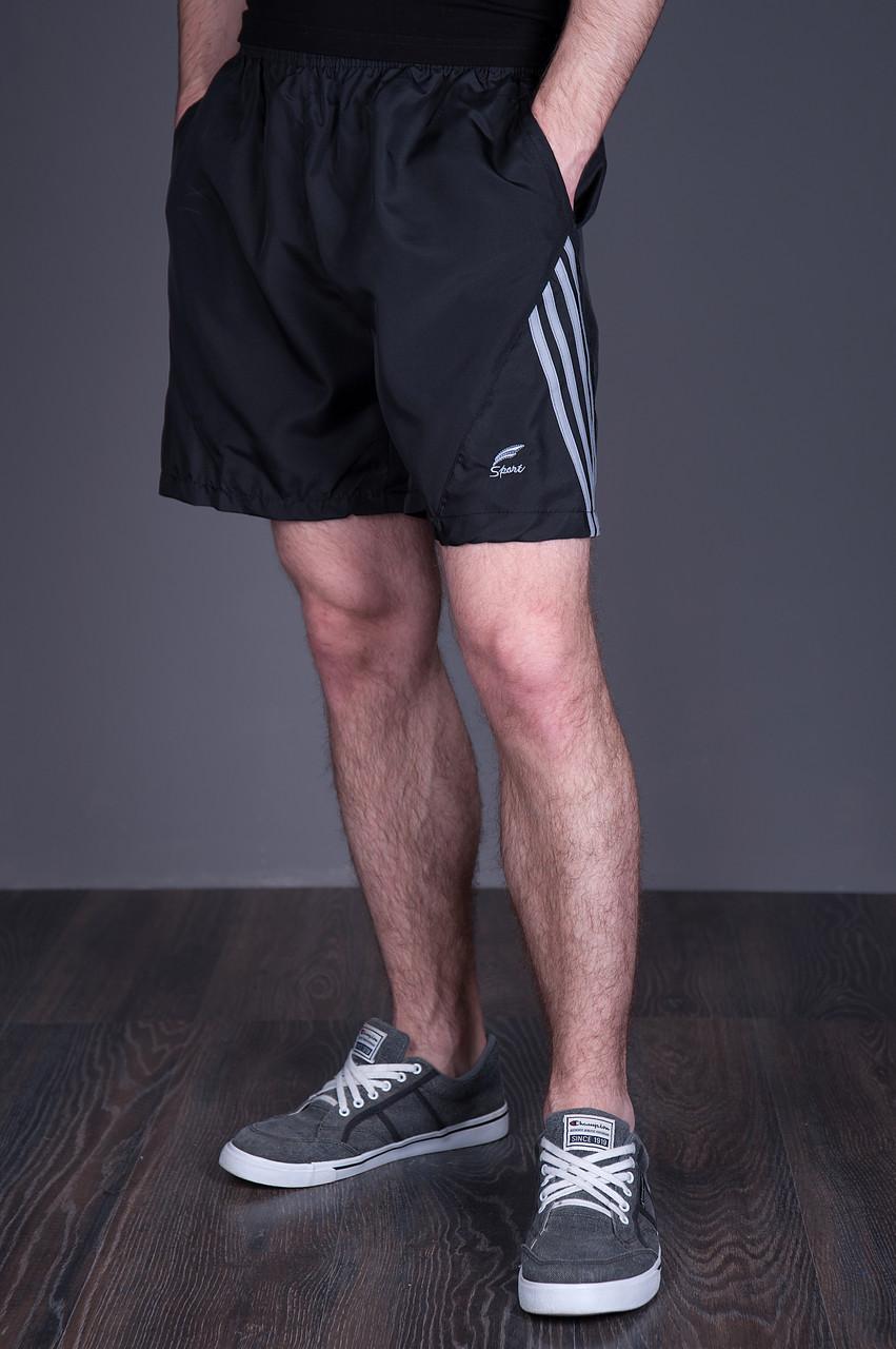 Чоловічі шорти великого розміру (плащівка), чорного кольору з сірими лампасами.