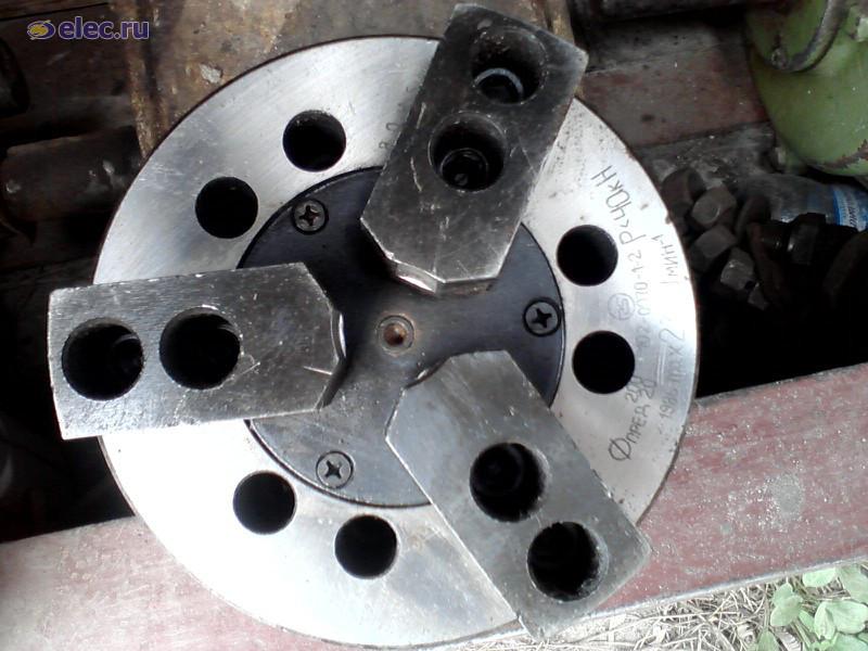 Патрон токарный с пневмозажимом 200мм  7102-0072