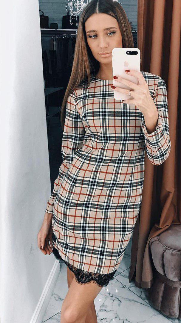 aa7d3d23603 Женское трикотажное платье в клетку с кружевной отделкой