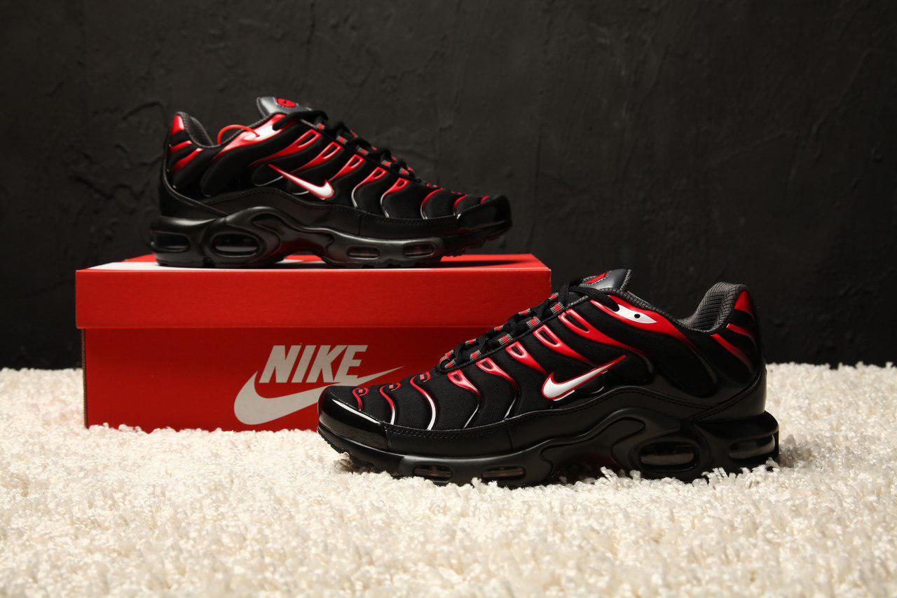 d207f190 Мужские кроссовки Nike Air max Plus Tn black university red bred white  (люкс копия)