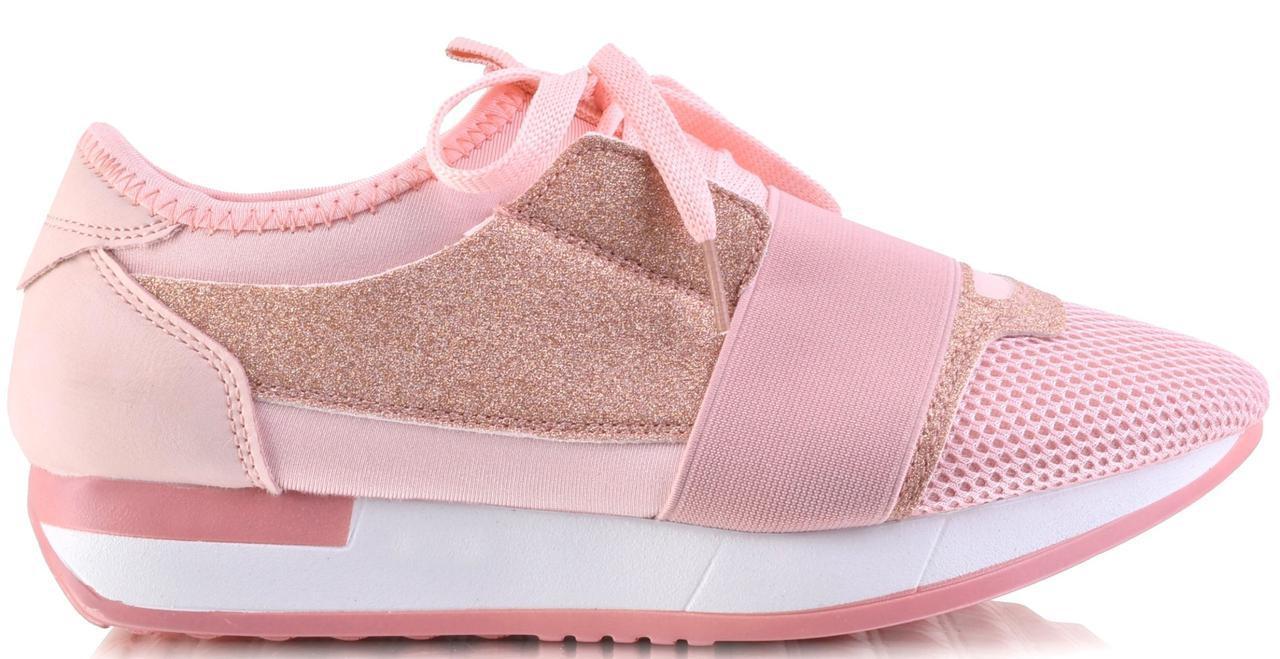 Стильные кроссовки очень популярные из новой коллекции