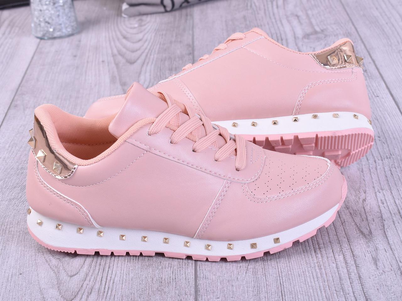Самые популярные польские кроссовки, для девушек из новой летней коллекции