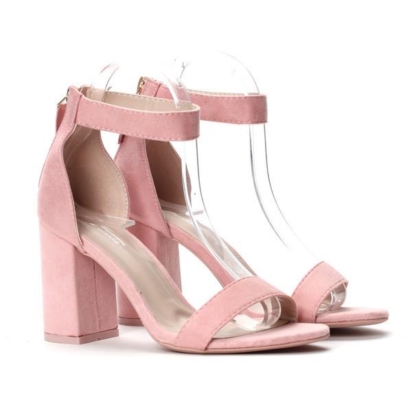 Летние босоножки для девушек розового цвета