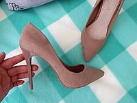 Классические туфли-лодочки замшевые на шпильке капучино 36 размер