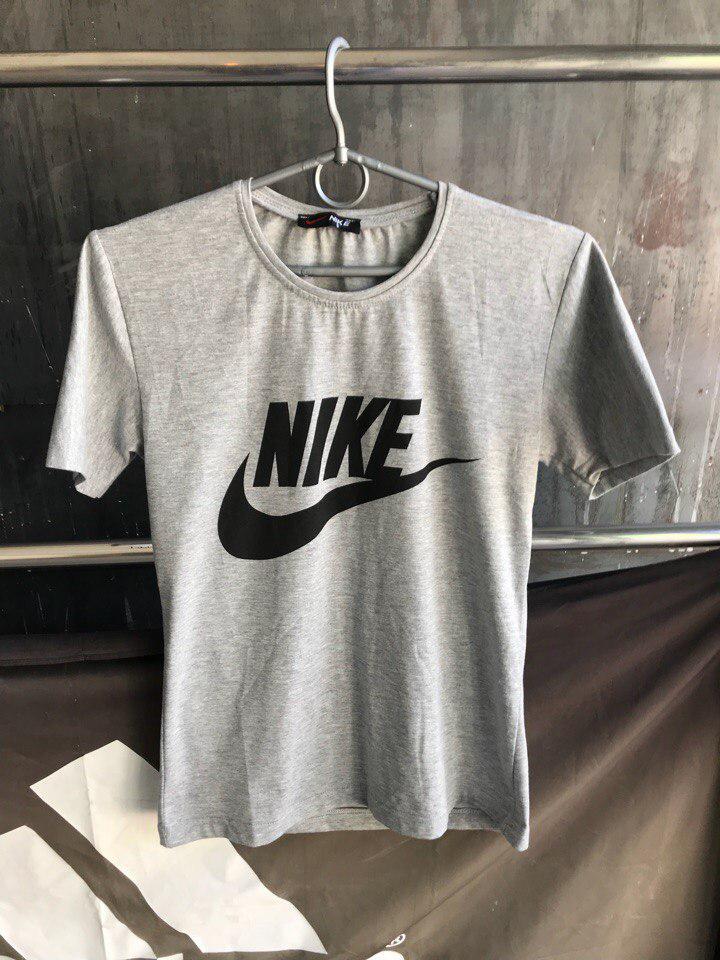 Мужская футболка Nike.Серая
