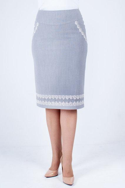 Модная юбка прямого покроя с кружевом и стразиками