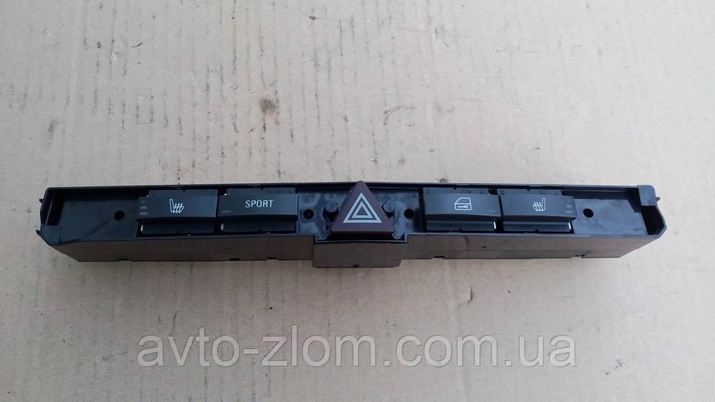 Блок кнопок Opel Astra H, Zafira B. 13100111.