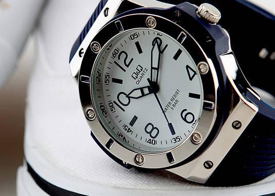 Часы Q Q Q566-324   Японские наручные часы   Кью энд кью   Кью кью ... 9f2d87352d3