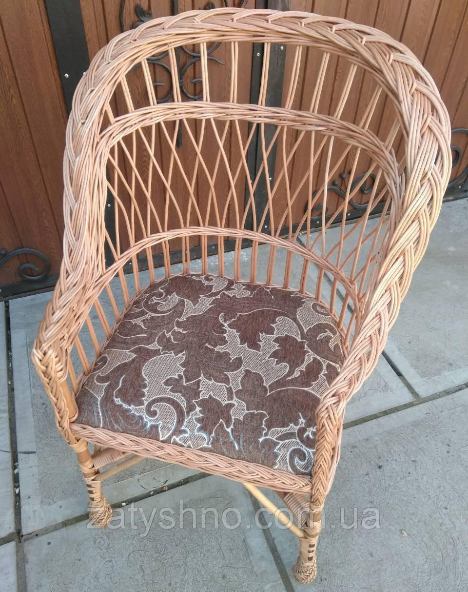 Кресло плетеное с мягкой сидушкой