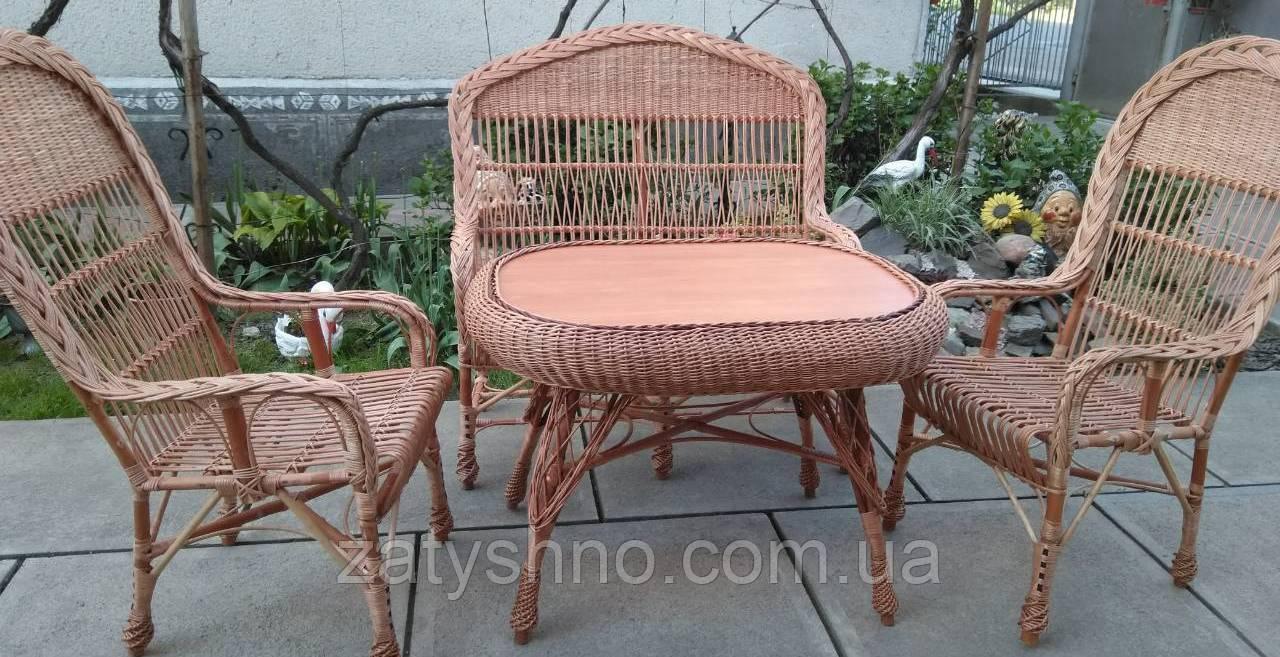 Садовая плетеная мебель с большим столом