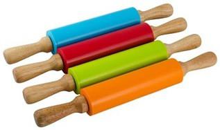 Скалка силиконовая с деревянными ручками 30 см