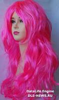 Парик длинный каскад розовый