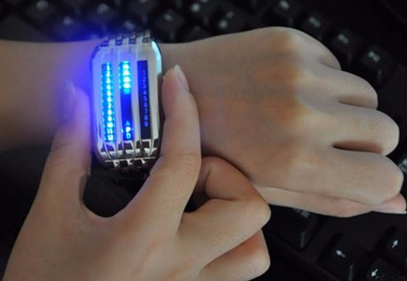 """Бинарные наручные часы """"Blue Energy""""."""
