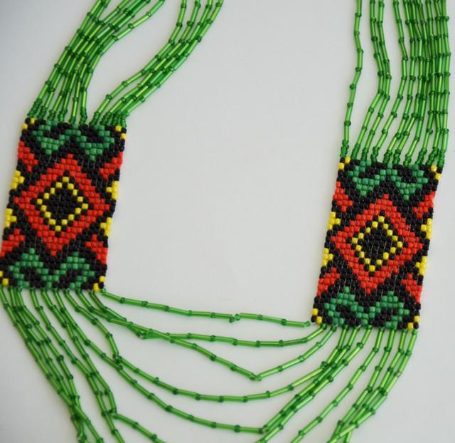 бисерный гердан с украинским орнаментом зеленый