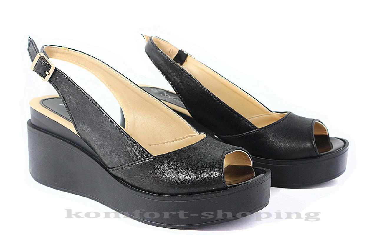 Женские босоножки кожаные, черные V 1099