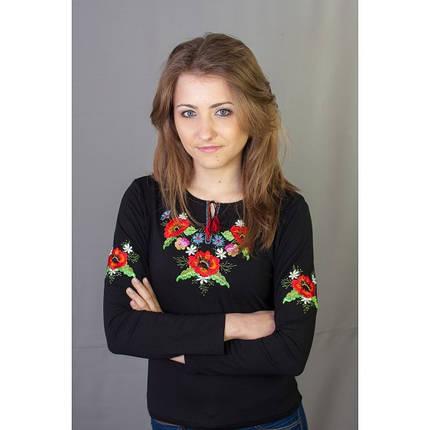 Осенняя женская футболка-вышиванка с длинным рукавом Маки-братчики цвет черный до 50 размера, фото 2