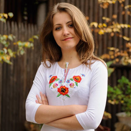 Осенняя женская футболка-вышиванка с рукавом 3/4 Маки-братчики до 54 размера - Белая, фото 2