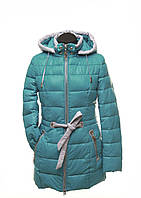 Зимняя длинная женская куртка бирюзового цвета