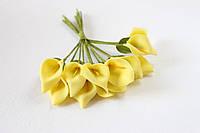 Декоративные цветы каллы мини 12 шт.  желтого цвета на стебле, фото 1