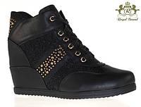 Добавлены новинки зимняя обувь и сникерсы