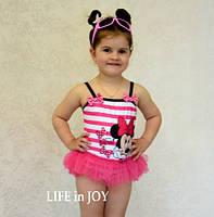 """Цельный детский купальник для девочки 2 - 3 года розовый """"Микки Маус"""" с рюшами  из фатина купить на отдых"""