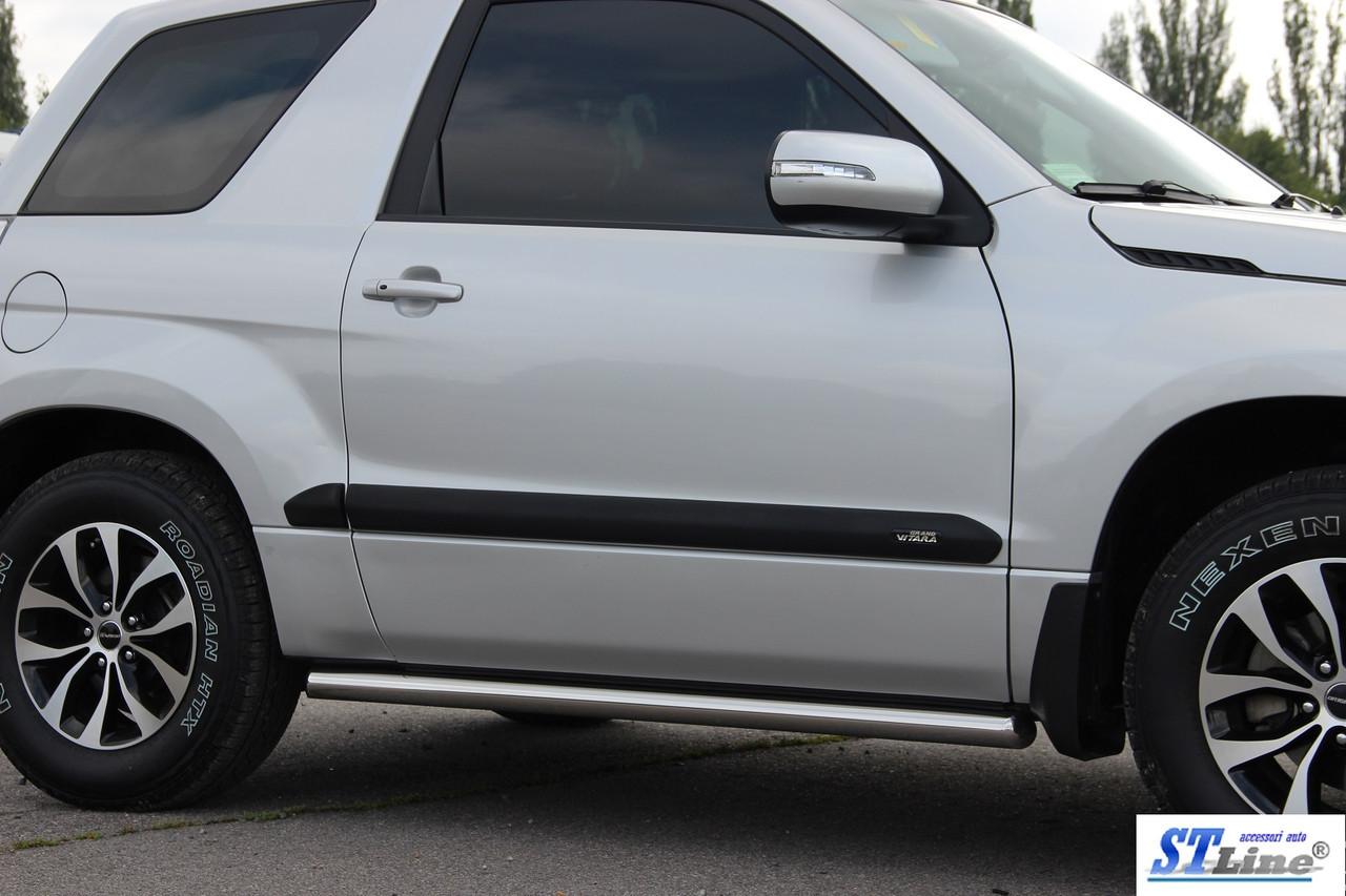 Боковые пороги  Suzuki Grand Vitara (3D) 2006- /Ø60,без проступей