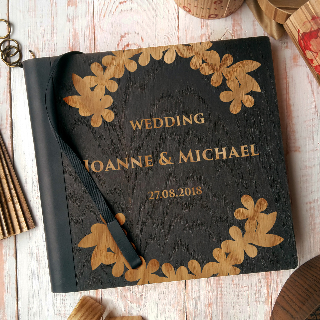 """Деревянная свадебная книга для пожеланий 22х23 см с тонированной обложкой """"Венок из листьев"""""""