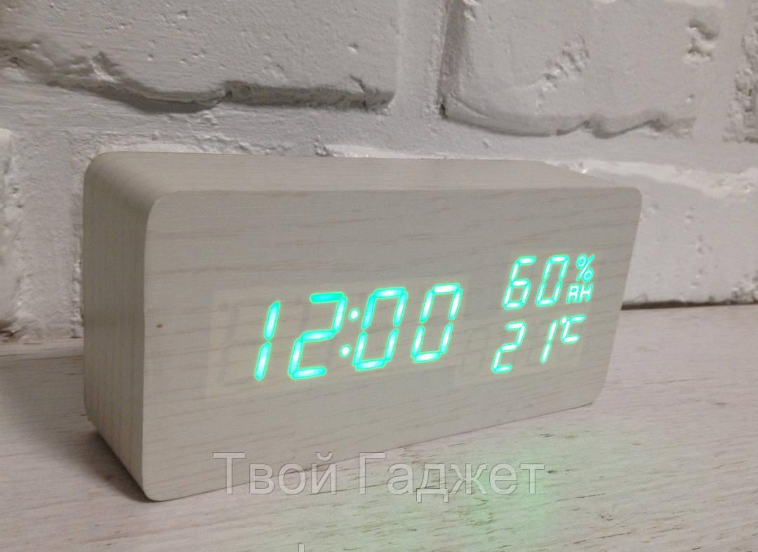 Настольные часы c зеленой подсветкой на белом фоне с датой и влажностью воздуха в виде бруска VST-862S-4