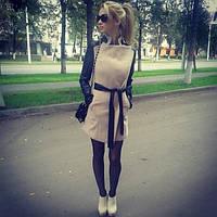 Пальто с кожаными рукавами и поясом