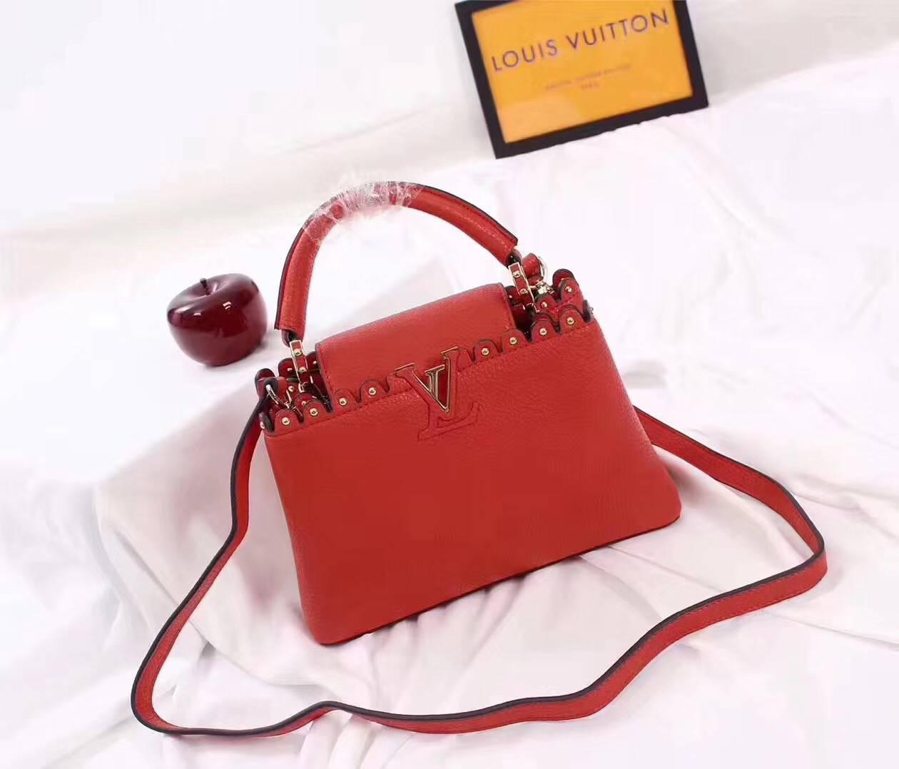 7fe010697689 Louis Vuitton Capucines Сумка Женская Красная — в Категории